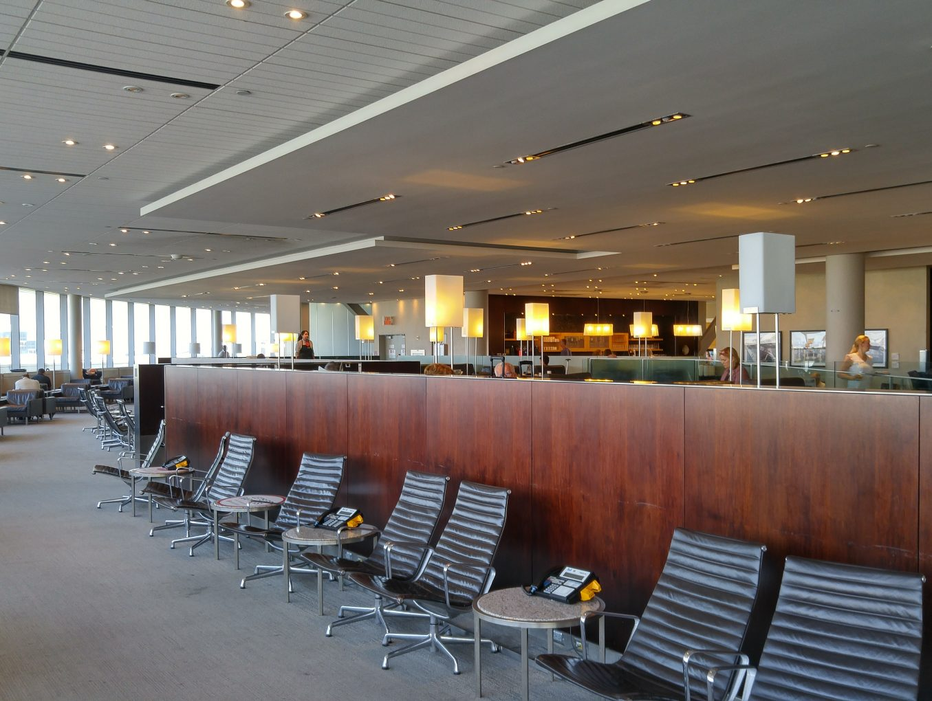 Review - Maple Leaf Lounge - Toronto