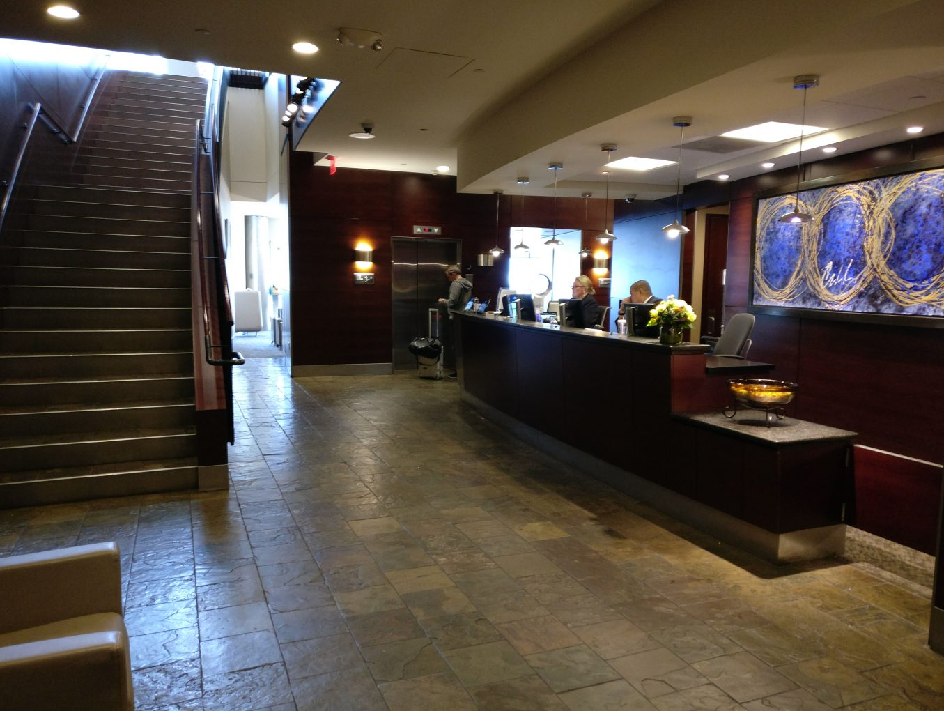 Review - Alaska Airlines Boardroom Lounge - Seattle - PointsNerd