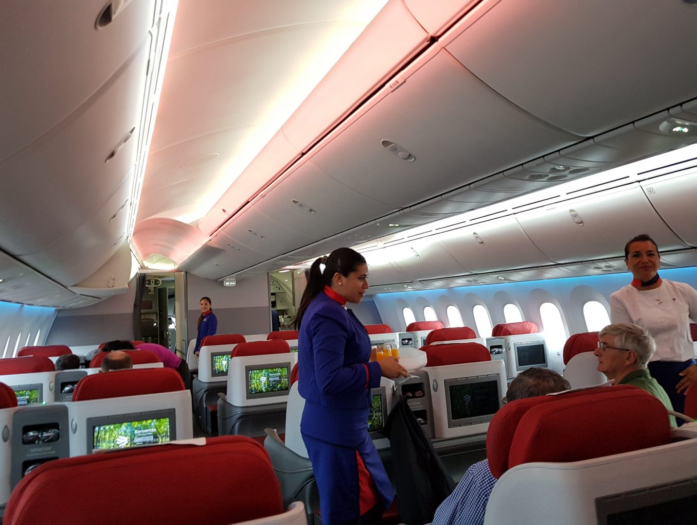 LATAM Business Class Review - AKL-SYD - Boeing 787-900